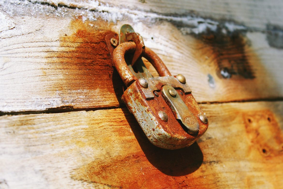 3 Effective Ways To Make Rusted Tools New Again!!